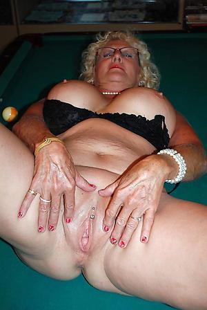 Nude natural grown up women