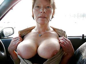 Hot porn of mature car blowjob