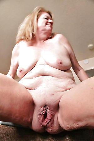 Naked wet mature vagina photos