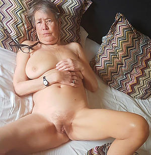 Unfold mature granny women photos