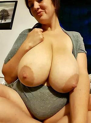 Big mature tits slut pics