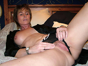 Lay bare mature cunts photos