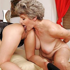 Amateur grown-up lesbians porn pics