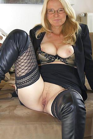 Sweeties hot mature ladies nude pics