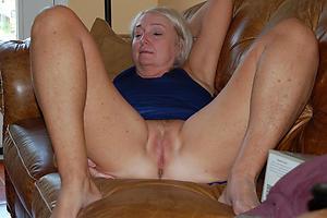 Naughty hot older women porn pics