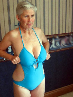 Really mature bikini pic