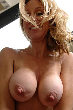 Hot mature selfshot slut pics