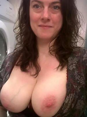 Hot porn of minimal grown-up selfies