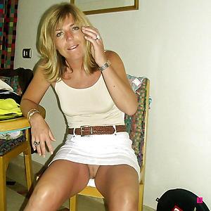 Slutty mature woman upskirt