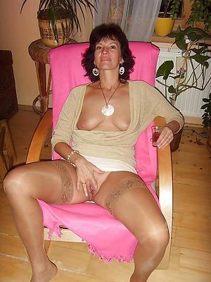 Elegant nake mature old ladies