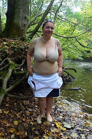 Blue nude mature outdoors porn pics