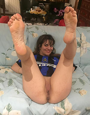 Gorgeous full-grown feet fetish free pics