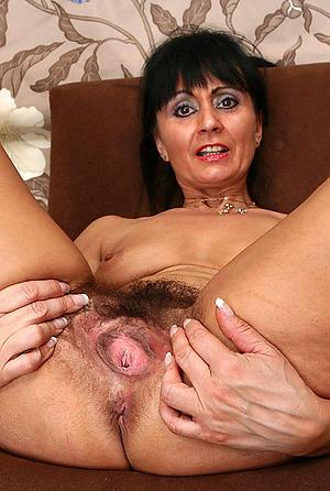 Naughty mature vagina photos