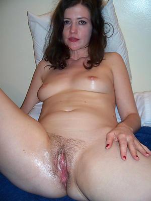 Beautiful unclothed mature vagina photos