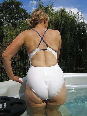 Reality busty mature bikini pic