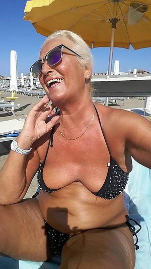 Bonny mature milf bikini