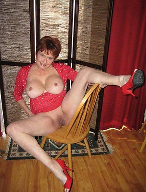 Amateur sexy mature in heels pussy pics