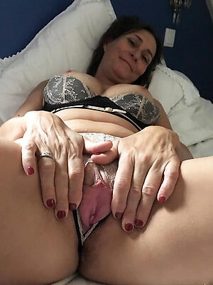 Beautiful mature covetous pussy gallery
