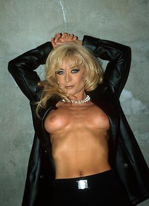 Naked mature beautiful nudes