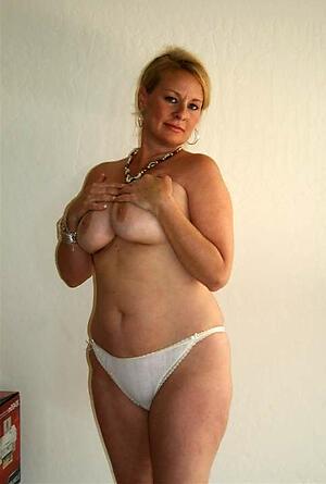Hot elegant mature pussies porn pics
