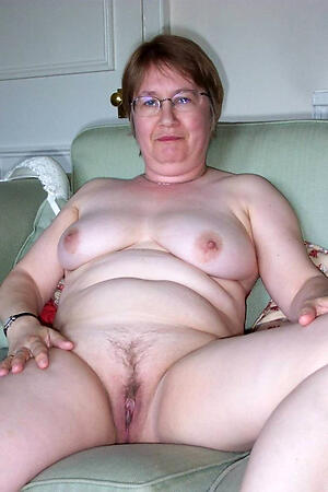 Amateur of age in glasses porn pics