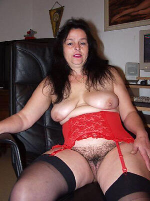 Slutty unshaved mature pussy nude gallery