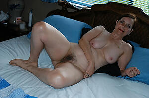 Decayed unshaved mature pussy naked by no chance