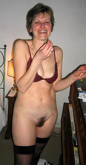 Gorgeous wet unshaved nude women pics