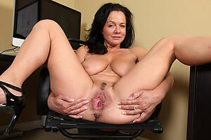 Naked wet mature pussy photo