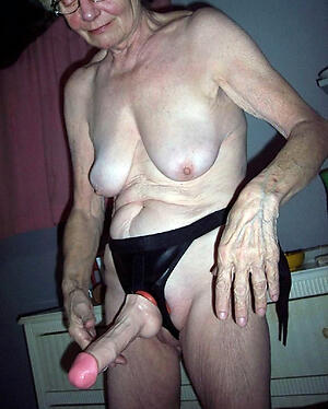 Vacant older mature pic