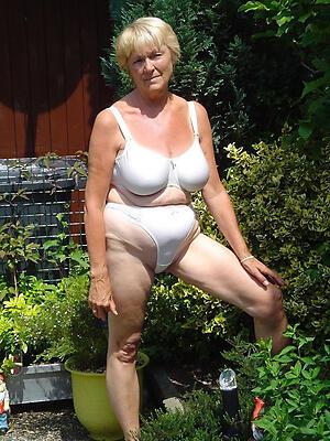 Sexy doyen mature women floosie pics