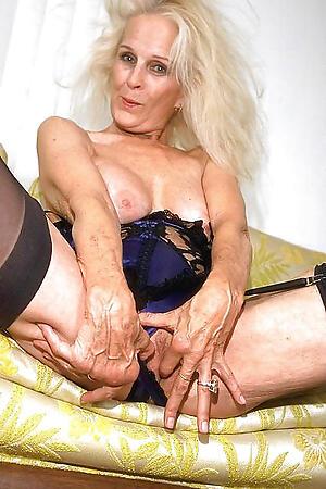 Sexy grown-up older moms  porn pics
