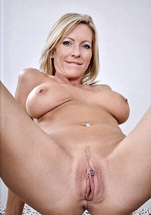 Pretty sexy naked women vagina