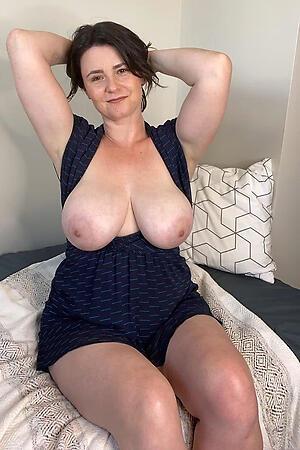 Nude brunette mature milf gallery