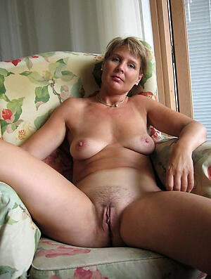 Xxx bring to light pictures mature women