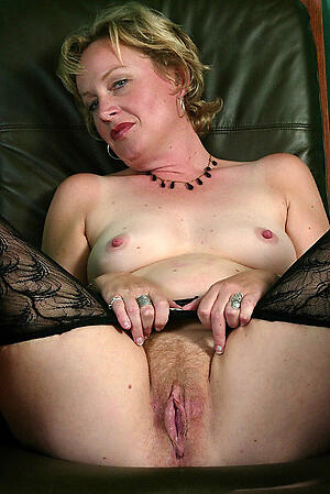 Pretty charming mature pussy denude