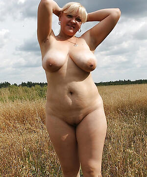 Xxx natural mature pics
