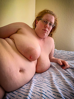 Naked chubby mature moms