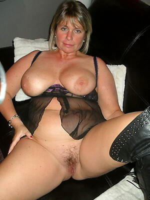 Private Mature Pictures