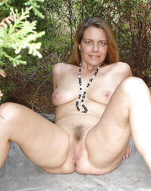 Amateur pics of of age nude females