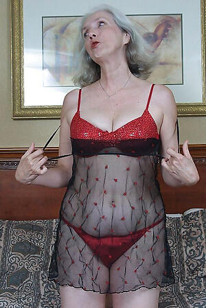 Hot porn of sexy mature classic