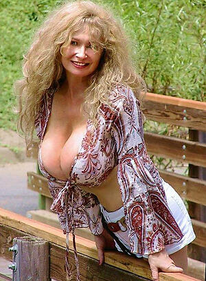 Busty mature clumsy old bag pics