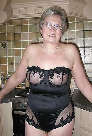 Gorgeous mature lingerie pictures