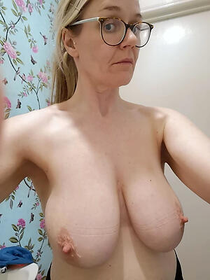 Matures-naked Ardent Mums