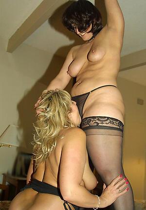 Nude mature lesbians porn pics