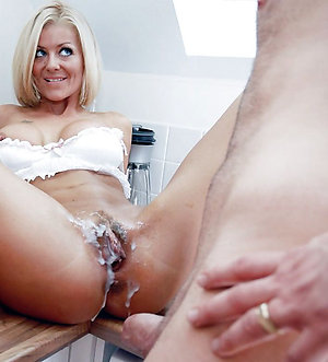 Nude amateur mature wife cumshots