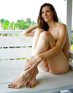 Amazing mature female feet