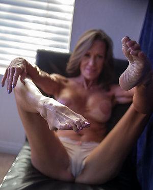 Private xxx mature sexy milf feet