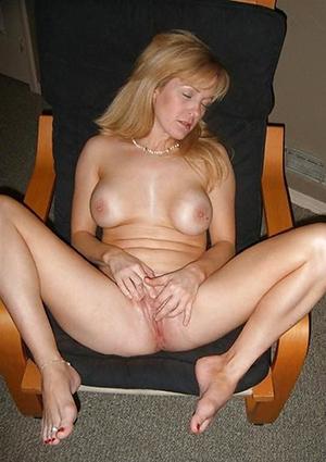 Nude mature legs feet porn photos