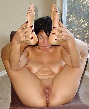 Cool sexy older mom feet photos